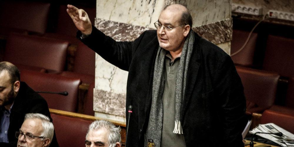 Συνταγματική αναθεώρηση: Διαφωνεί αλλά στηρίζει ο Φίλης την πρόταση ΣΥΡΙΖΑ για τις σχέσεις Εκκλησίας-Κράτους