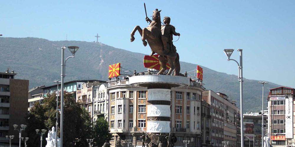 ΠΓΔΜ: Το μνημείο του Μ. Αλέξανδρου δεν θα κατεδαφιστεί, θα μετονομαστεί
