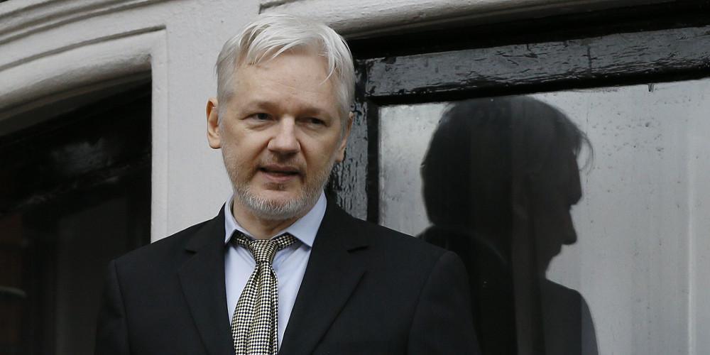 Εδωσε υπηκοότητα στον Ασάνζ των WikiLeaks oΙσημερινός