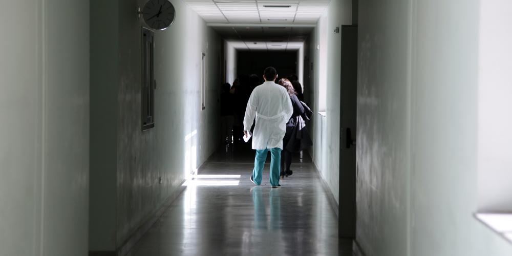 «SOS» από το νοσοκομείο Ρόδου: Χωρίς γιατρούς η παιδιατρική κλινική