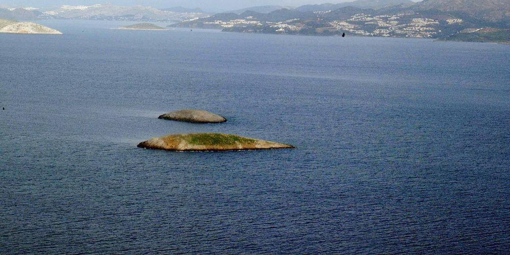Επεισόδιο στα Ιμια: Η πρώτη φωτογραφία από το σκάφος του Λιμενικού που χτύπησαν οι Τούρκοι