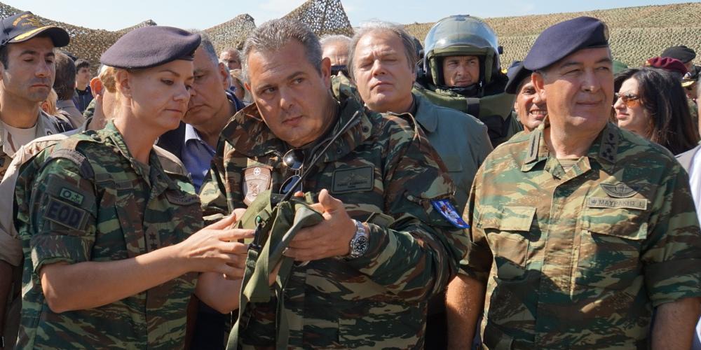 Ο Καμμένος απειλεί να σκοτώσει όποιον ανέβει σε Ελληνικό έδαφος - Με παραβιάσεις απαντούν οι Τούρκοι