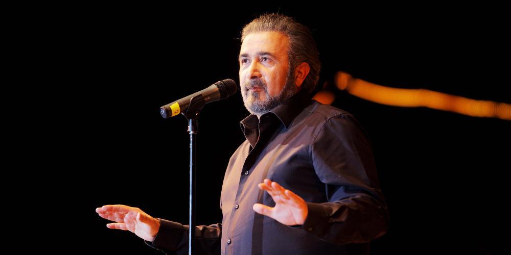 Λάκης Λαζόπουλος: Αποχώρησε από την παράσταση «Προδοσία» με τον Αιμίλιο Χειλάκη