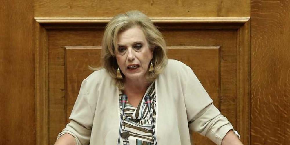 «Θα τα μπουμπουνίσω όλα» απειλεί η Μεγαλοοικονόμου μετά την επίθεση που δέχθηκε στην ΚΟ του ΣΥΡΙΖΑ