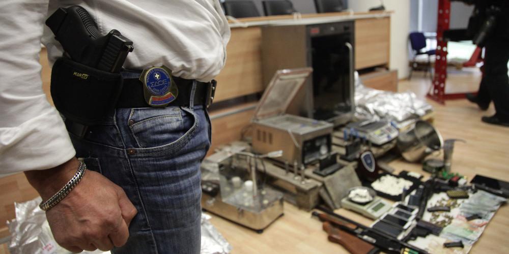 Έβαζαν ετικέτες γνωστών εταιρειών σε ρούχα... μαϊμού - Εξαρθρώθηκε κύκλωμα από το ΣΔΟΕ