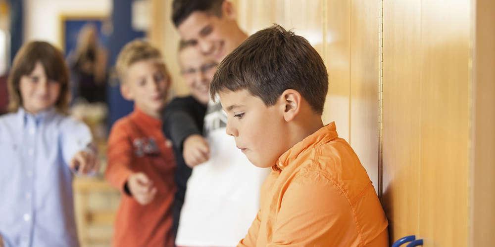 Τα παιδιά με περισσότερα αδέλφια είναι πιο συχνά θύματα ενδοοικογενειακού μπούλινγκ