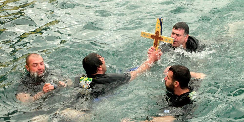 Μόνο με χαρτί γιατρού μπορούν να βουτήξουν για τον σταυρό τα Θεοφάνεια στη Ρόδο