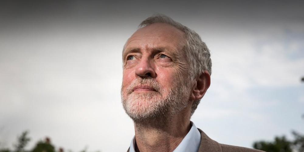 Εκλογές στη Βρετανία: Μειώνει τη διαφορά στις δημοσκοπήσεις ο Κόρμπιν