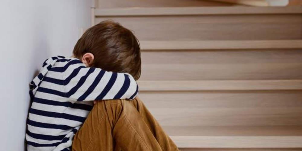 «Καταπέλτης» ο εισαγγελέας για τον πατέρα που κακοποιούσε τον 4χρονο γιο του στην Κρήτη - Ζήτησε την ενοχή του