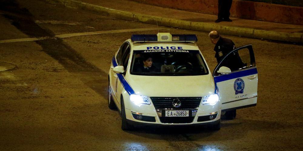 Τρόμος γΝτου της Αστυνομίας σε συνδέσμους του ΠΑΟΚ και του Αρηια οικογένεια στο Λαγονήσι: Τους κλείδωσαν στην τουαλέτα και τους έκλεψαν