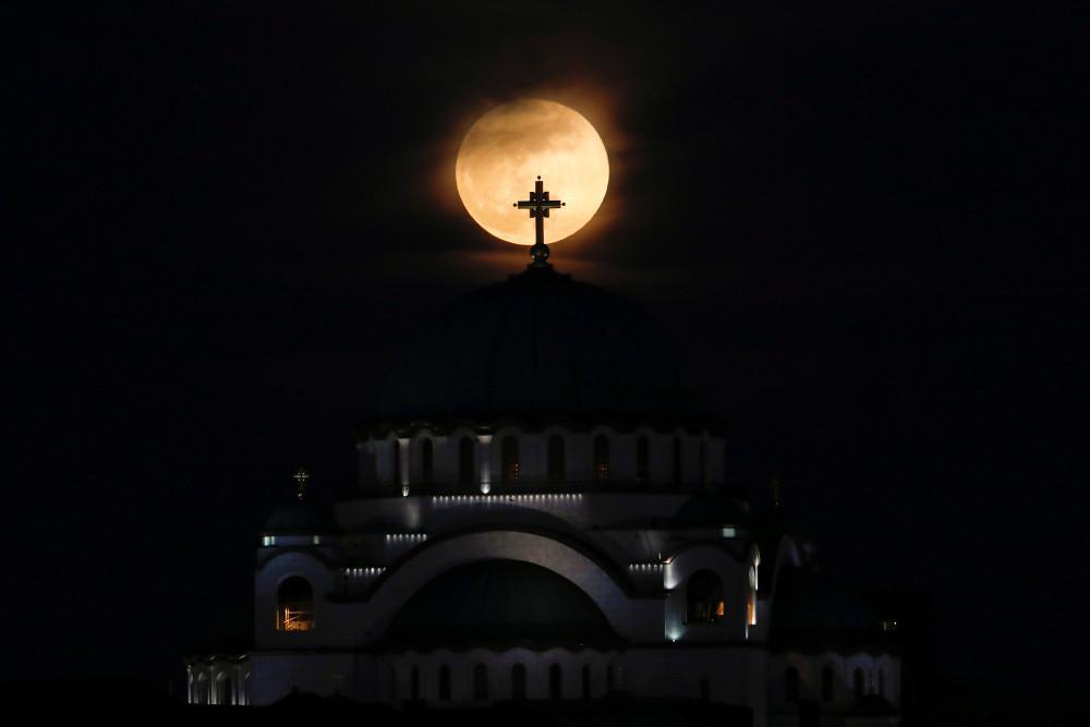 Έκλειψη Σελήνης: Την Τετάρτη η δεύτερη φετινή υπερπανσέληνος