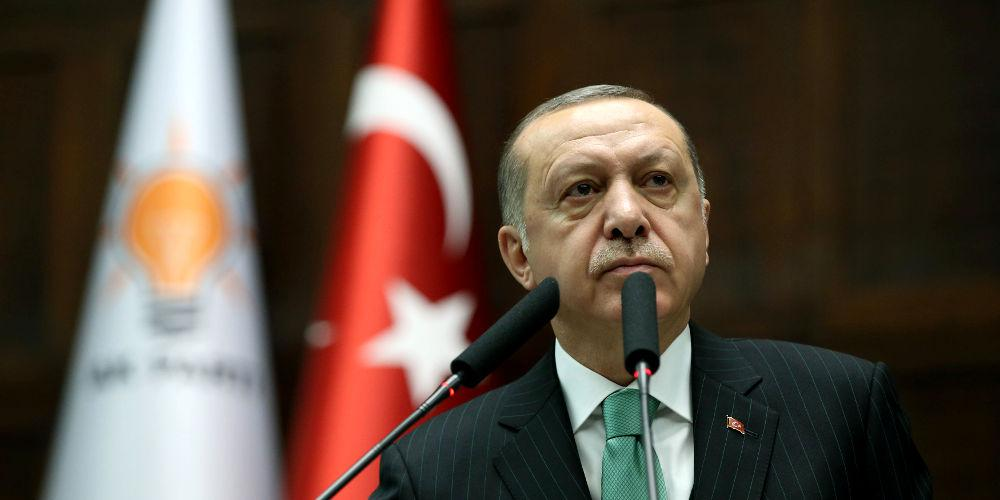 Ο Ερντογάν απειλεί τις ΗΠΑ και επικρίνει τον ΟΗΕ