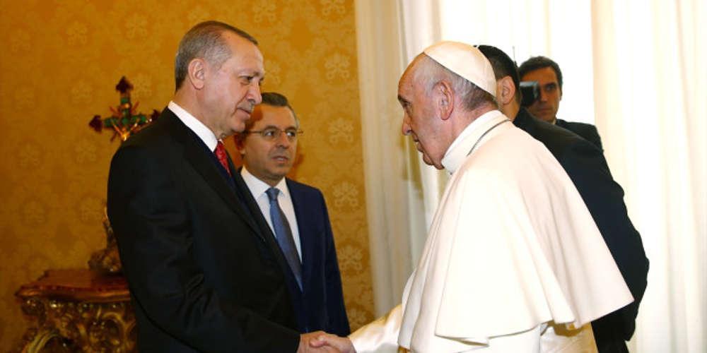Συνάντηση με πολλαπλή σημασία στο Βατικανό: Ο Πάπας είδε τον Ερντογάν