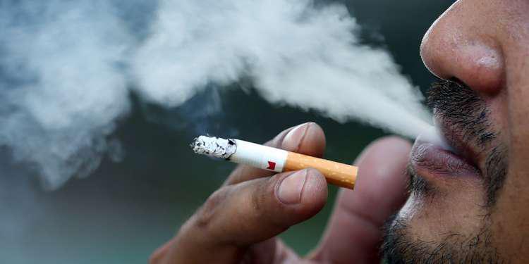 Κορωνοϊός: Το κάπνισμα άμεση απειλή της ανθρώπινης ζωής - Τι λένε Έλληνες ειδικοί