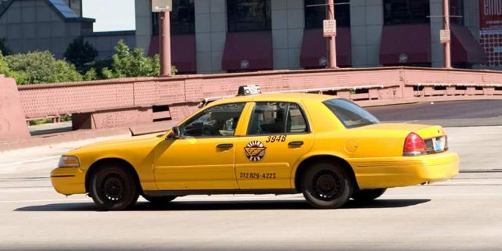 Αρνείται τις κατηγορίες περί βιασμού του οδηγού ταξί ο ηθοποιός που δικάζεται