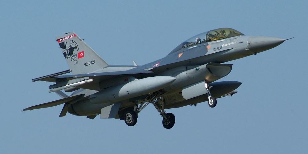 Τον χαβά τους οι Τούρκοι: Υπερπτήσεις τουρκικών F-16 πάνω από Ανθρωποφάγους και Μακρονήσι