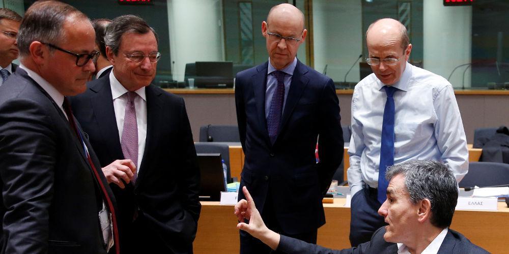 Spiegel: ΔΝΤ και ΕΚΤ αμφιβάλλουν για τη βιωσιμότητα της ελληνικής εξόδου