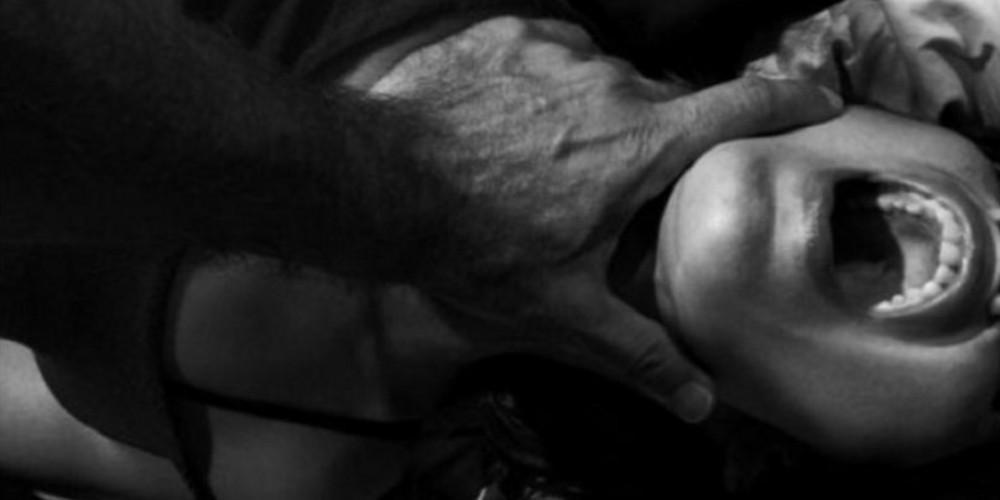 Σοκ στη Νέα Μανωλάδα: Ληστής χτύπησε μητέρα και βίασε την κόρη της