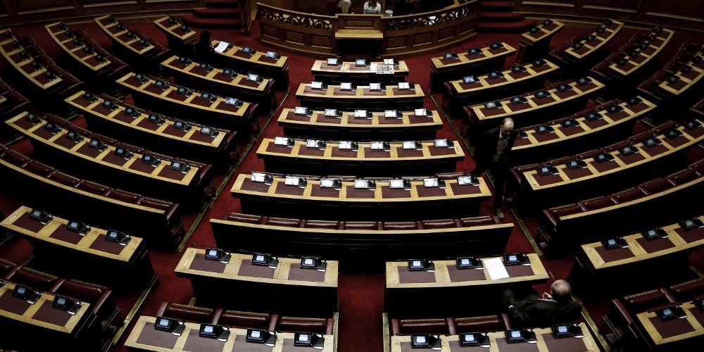 Βουλή: Εγκρίθηκαν οι ΠΝΠ με τα μέτρα κατά της διασποράς και διάδοσης του κορωνοϊού