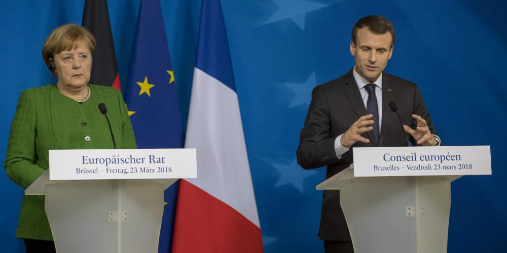 La Tribune: Μακρόν και Μέρκελ κοντά σε συμφωνία για τη μεταρρύθμιση της Ευρωζώνης