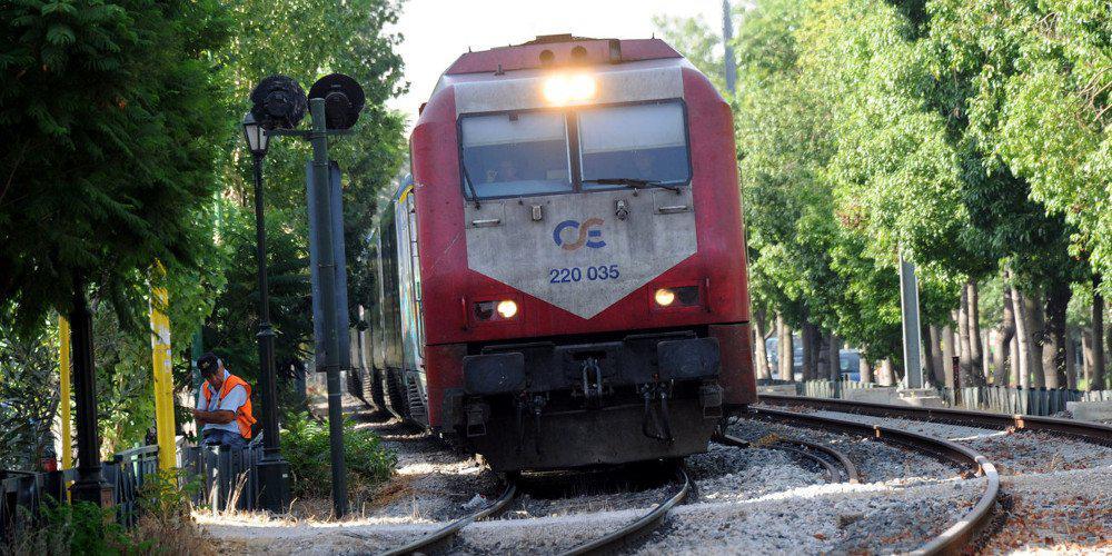 Εκτροχιασμός αμαξοστοιχίας στη Θεσσαλονίκη - Πανικός στους επιβάτες
