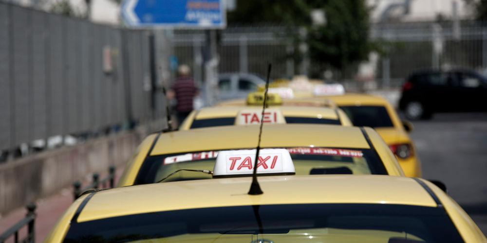 Τι αλλάζει στις συναλλαγές με κάρτα στις εφαρμογές ταξί - Ανοίγει ο δρόμος για POS