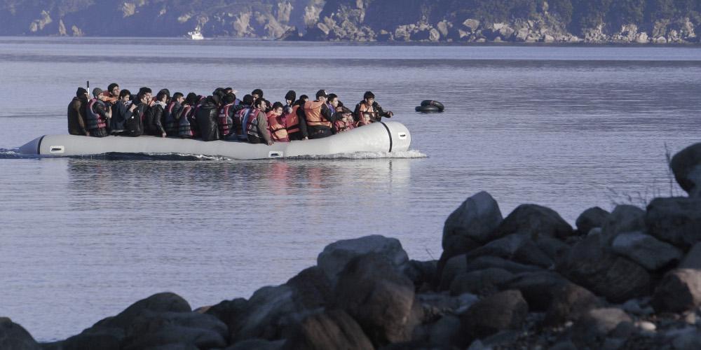 Συναγερμός στη Λέσβο: Αγνοείται 15χρονη μετανάστρια μετά από ανατροπή πλαστικής βάρκας
