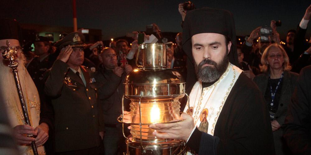 Μεταβαίνει στην Ιερουσαλήμ για την Αφή του Αγιου Φωτός η ελληνική αποστολή