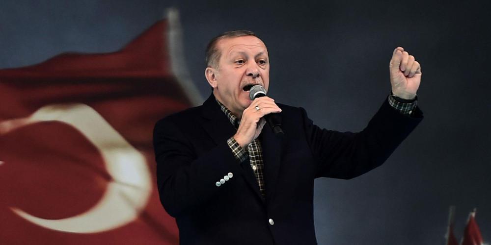 Ερντογάν: Η Τουρκία δεν θα σταματήσεις την επιχείρηση στη Συρία – Επιμένουν για κυρώσεις οι ΗΠΑ