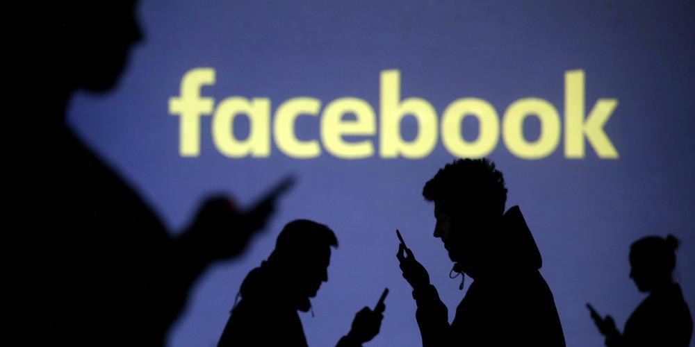 Η ΕΕ θα ζητήσει από τα Facebook, Twitter και Google μηνιαίες αναφορές για «fake news»