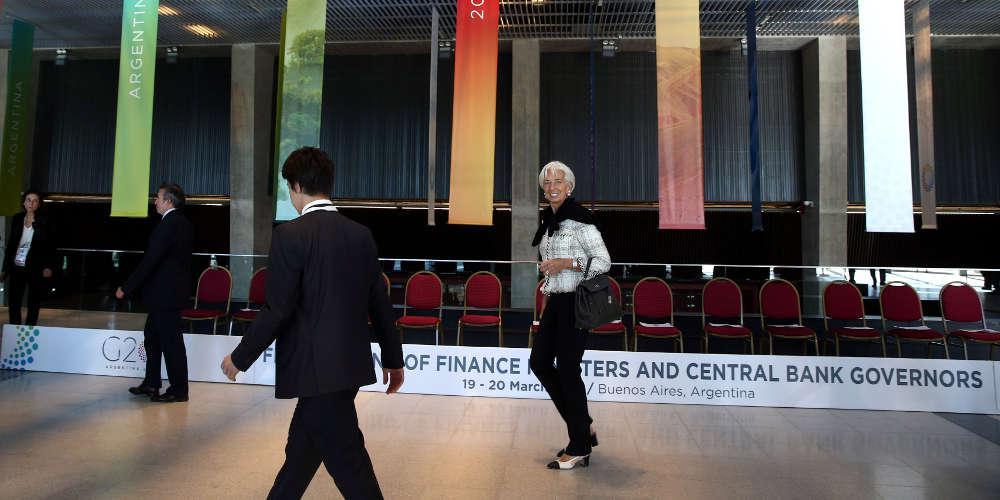 «Κουρεύει» την ανάπτυξη στο 2% για φέτος το ΔΝΤ