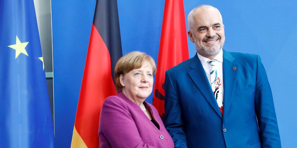 Στήριξη Μέρκελ σε Ράμα για τις μεταρρυθμίσεις πριν τις ενταξιακές διαπραγματεύσεις