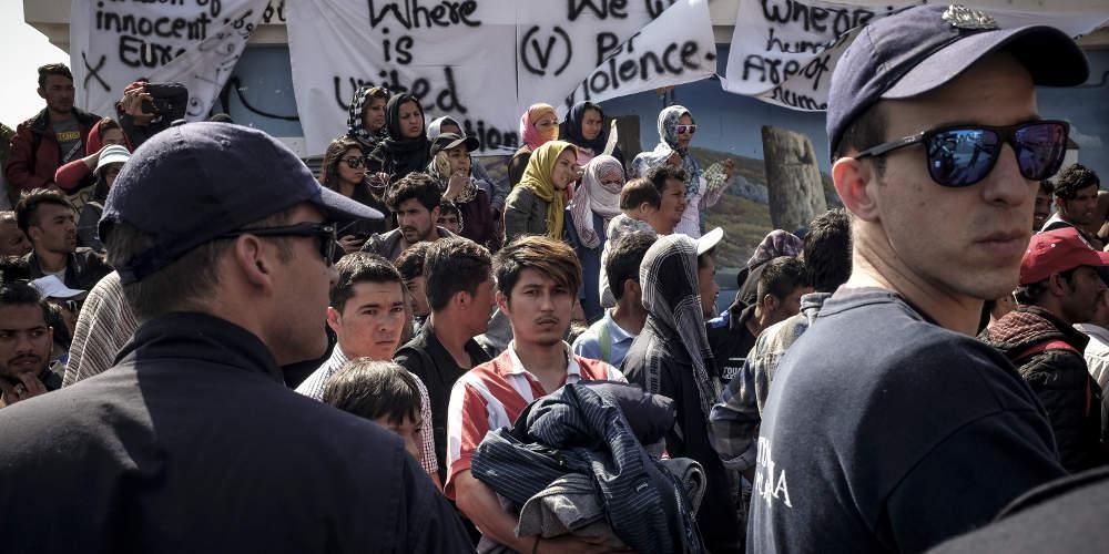 Newsweek: Τρόμος για τις οικογένειες στη Μόρια από τους βιασμούς μικρών παιδιών