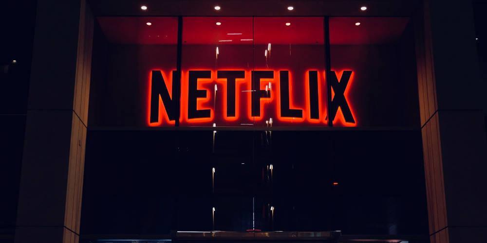 Netflix: Οι πέντε σειρές και ταινίες που… μυρίζουν καλοκαίρι [trailer]