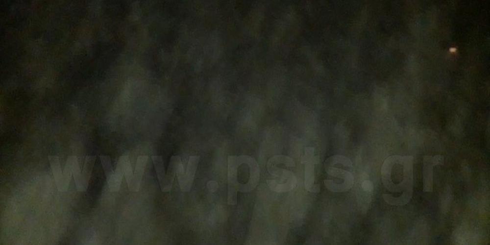 Εικόνες «θρίλερ» - Απόκοσμο καιρικό σκηνικό «εξαφάνισε» την Πάρο [βίντεο]