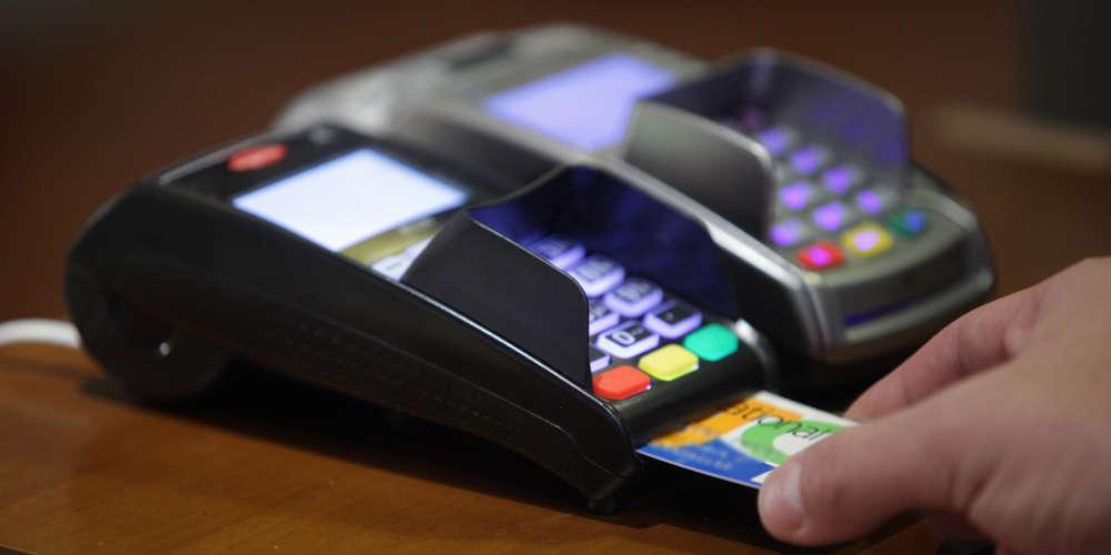 Οι τράπεζες αντικαθιστούν έως και 15.000 πιστωτικές κάρτες λόγω παραβίασης από χάκερ