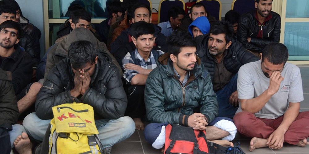 Η Τουρκία ανοίγει τη στρόφιγγα: Απομακρύνει 65.000 πρόσφυγες από την Πόλη