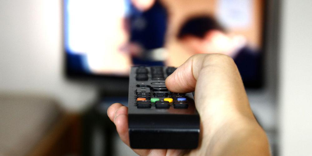 Τηλεοπτικός οδηγός: Τι θα δούμε τα Χριστούγεννα στην τηλεόραση