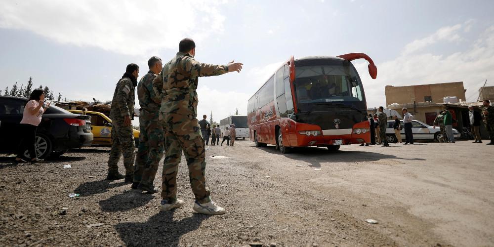 Ξεκίνησε η απομάκρυνση των μαχητών του ΙΚ από το Γιαρμούκ