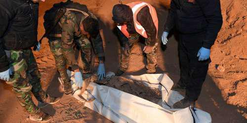 Ομαδικοί τάφοι με 101 πτώματα ανακαλύφθηκαν στην πόλη Μπουκάμαλ στην Συρία
