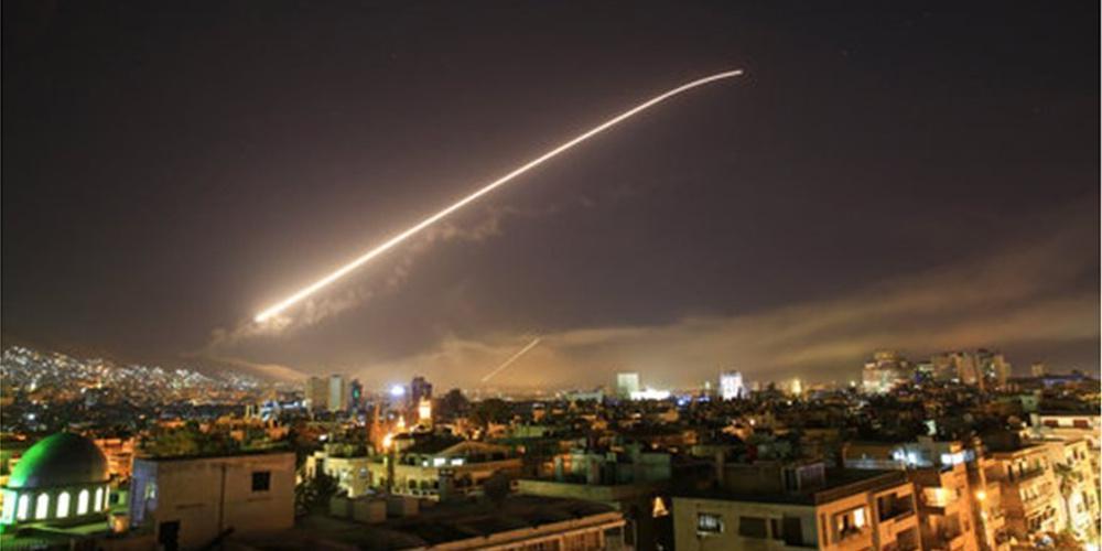 «Φωτιά» στη Μέση Ανατολή: Το Ιράν βομβάρδισε αμερικανικές βάσεις στο Ιράκ