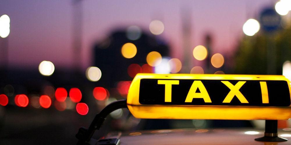Εφιάλτης για φοιτήτρια: Κατήγγειλε οδηγό ταξί πως αυνανίστηκε μπροστά της στη Μυτιλήνη