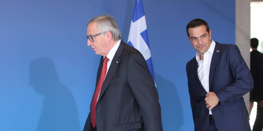 Στην Αθήνα ο Γιούνκερ: Η «καθαρή έξοδος» επί τάπητος στην συνάντηση με τον Τσίπρα