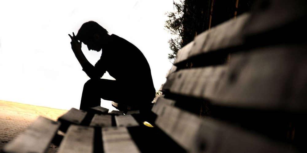 Στην γραμμή παρέμβασης για την αυτοκτονία αναζητούσαν παρηγοριά οι Έλληνες στην καραντίνα