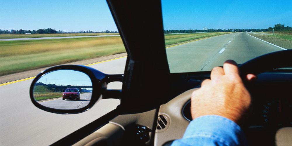 Διπλώματα οδήγησης: Πίσω ο εκπαιδευτής, δίπλα από τον υποψήφιο ο εξεταστής
