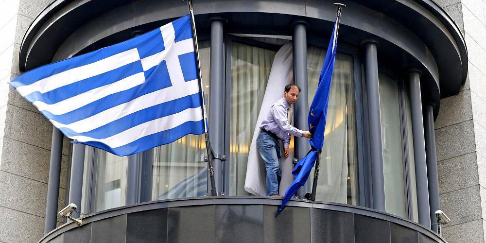 Εγιναν λάθη στη διαχείριση της ελληνικής κρίσης λέει ένας από τους πέντε «σοφούς» της γερμανικής κυβέρνησης