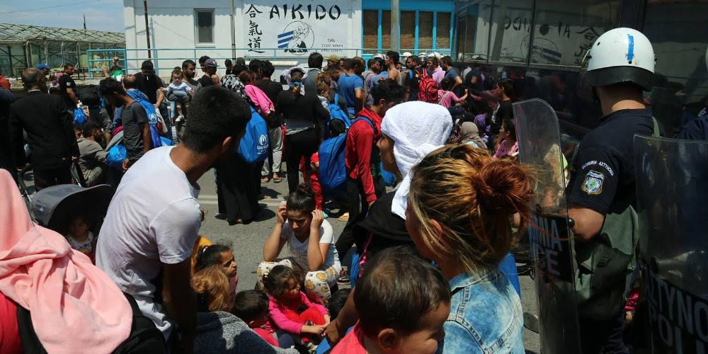 Κυβερνητικό «γκάζι» στο μεταναστευτικό με κλειστές δομές και υπηρεσίες ασύλου