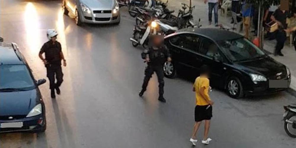 Βίντεο-ντοκουμέντο: Η στιγμή που Αιγύπτιος μαχαιρώνει αστυνομικό στην Καλαμάτα