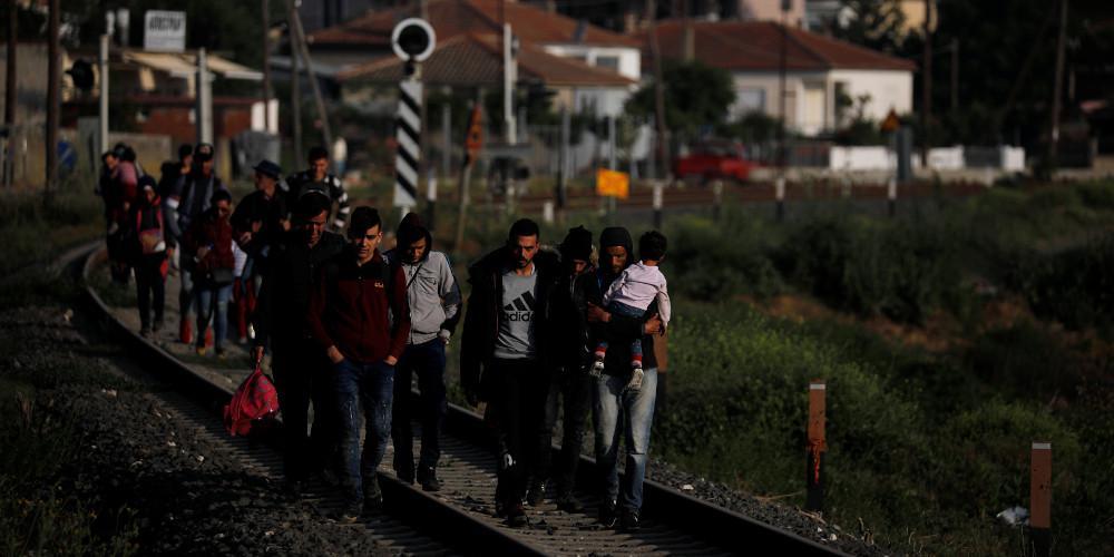 Εννέα φορές πάνω οι αφίξεις μεταναστών από τον Έβρο!