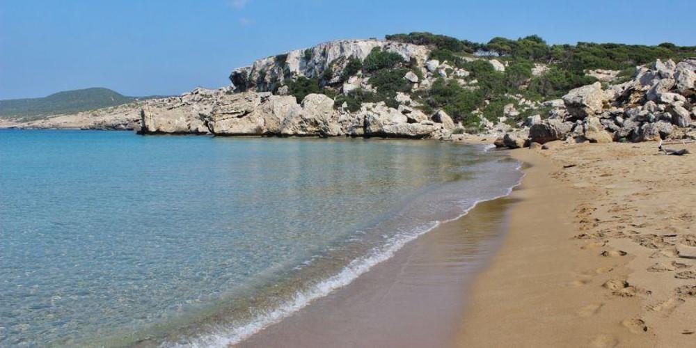 Οι 86 ακατάλληλες παραλίες για κολύμπι, σε όλη τη χώρα (εκτός Αττικής) -Και οι 286 πεντακάθαρες για το φετινό καλοκαίρι